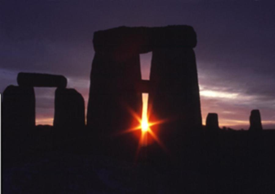 equinox-Stonehenge-2