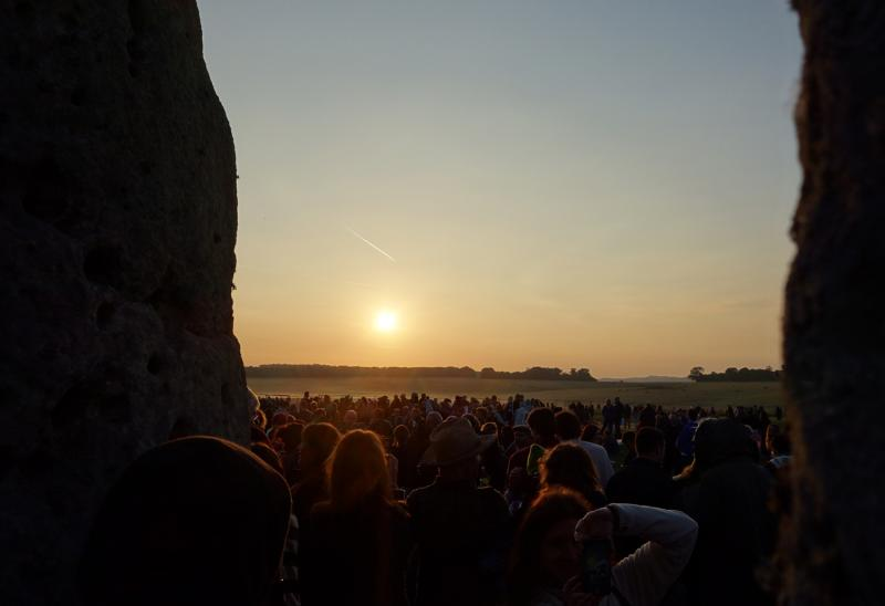 stonehenge-sunrise-wide.jpg